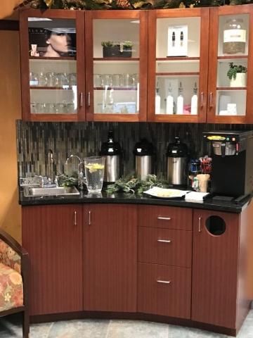 Commercial cabinet corner